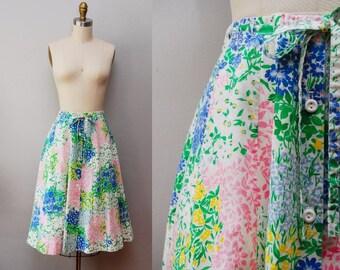 Vintage 70s Floral Print Cotton A-line Skirt / 1970s Button Front Skirt w/ Tie-waist / Medium