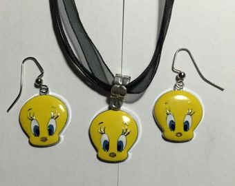 Tweety Bird Necklace and Earring Set