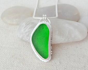 Kelly Green Sea Glass Pendant - Natural Sea Glass, Genuine Sea Glass - Sea Glass Necklace, Sea Glass Jewelry
