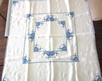 Emroidered Linen Tablecloth Bridge Cloth Wedgewood Blue Embroidery with Cutwork 66 x 34 Inches Vintage Retro