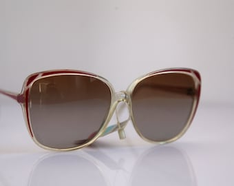 Vintage Polaroid Oversized Crystal Frame, Red, Brown Polarizing Lenses. POLAROID LOOKERS 8434A. Made in Italy. Collectible
