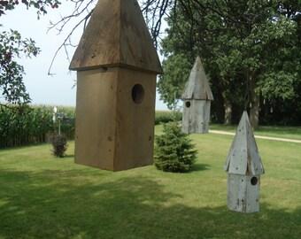 Salvaged oak wood birdhouse - Rustic birdhouse - Wood birdhouse - Outdoor birdhouse - Hanging birdhouse - Wren house - Anniversary gift -
