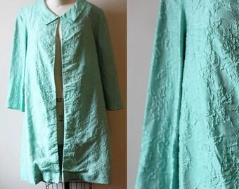 1950s green crinkle coat // swing coat // vintage jacket