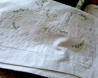 Fine Arts: Shabby Chic Vintage Hand Embroidery Cotton White Floral Pillow Shams, Pillow Cases, BC016