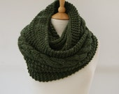 Chunky Knit Moss green cable infinity scarf, Knitted Moss scarf, Chunky knit scarf, Knitted green snood Ready to ship