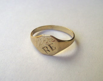 vintage 9k gold ring with initials RE, size  4.25