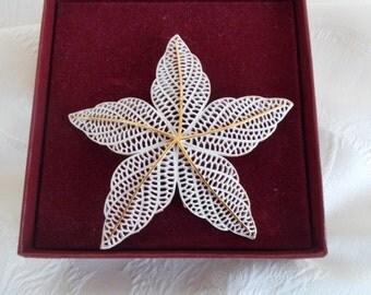 Vintage White And Goldtone Star Brooch //6