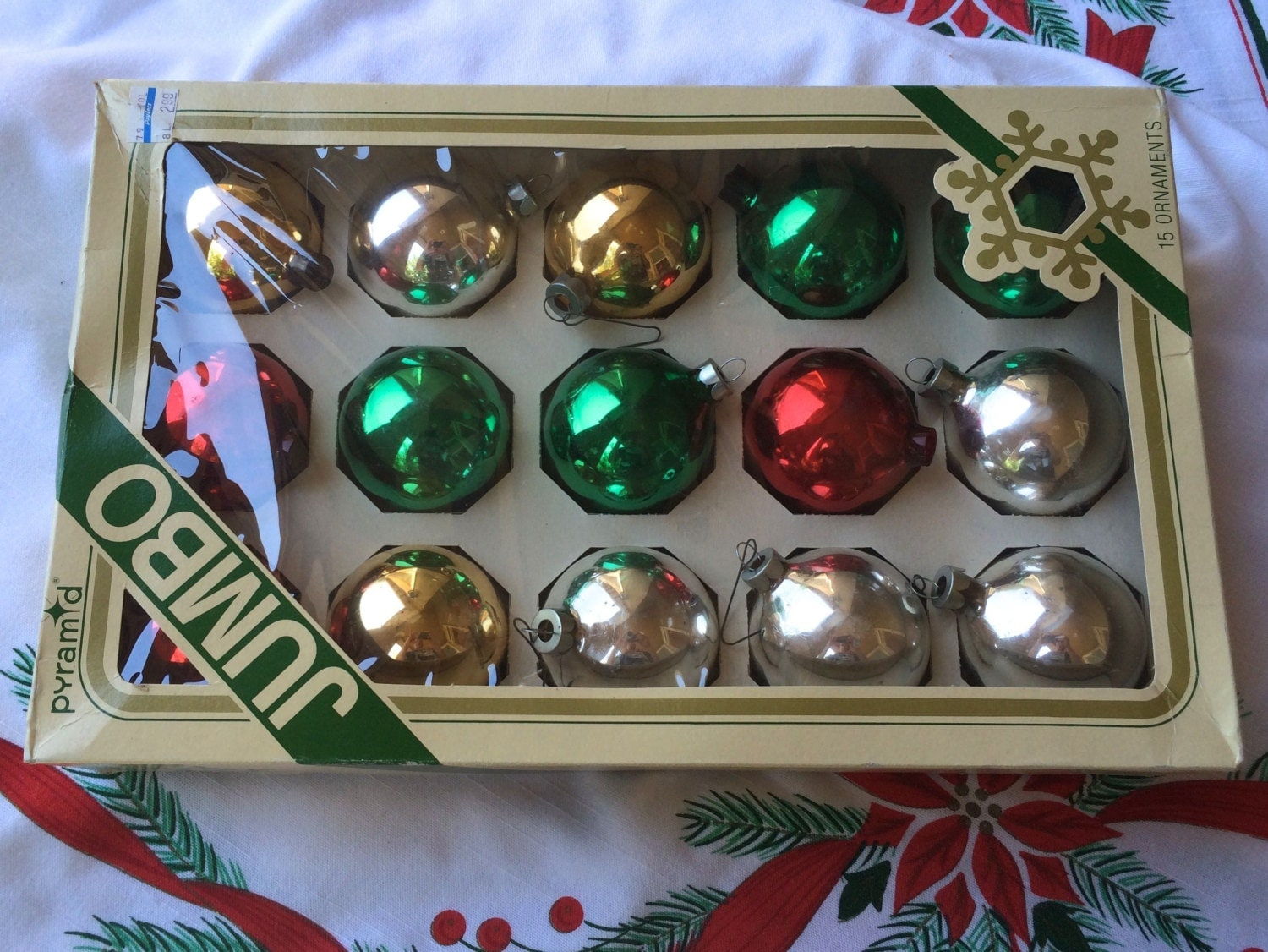 Vintage christmas tree ornaments glass bulbs in original box Vintage glass christmas tree ornaments