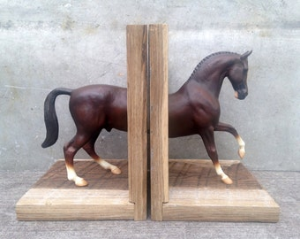 EQUINE COLLECTION warmblood horse bookend in liver chestnut