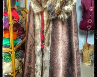 Fur Cloak, Viking Cloak, Game of Thrones, Fur Capelet, Medieval Cloak, Norse Costume, Heathen Cloak, Festival Wear, Cosplay, Pagan
