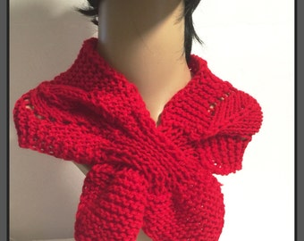 Hand knit  keyhole scarf -Red color-Winter neck scarf -Winter Accessories- Christmas gift