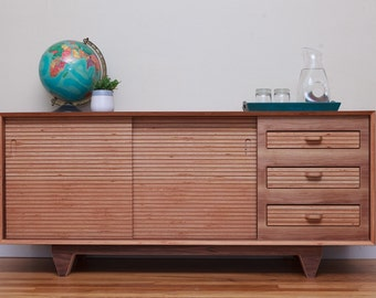Mid Century Modern Walnut Wood Sideboard/ Buffet