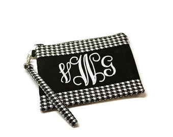 Monogrammed black and white houndstooth double zippered phone wrist wallet. Personalized iphone wristlet purse.