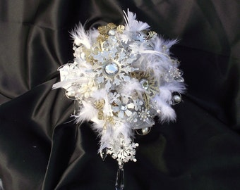 Snowflake winter wedding bouquet, winter bridal bouquet, winter bouquet, Christmas wedding, tassel bouquet, feather wedding bouquet