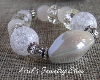 White beaded bracelet, White bracelet, White stretch bracelet, Boho bracelet, Stack bracelet, White jewelry