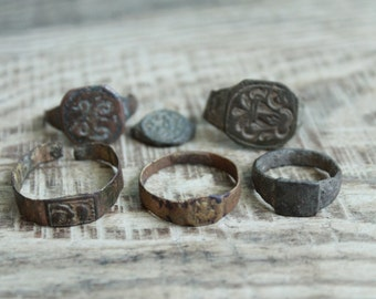 set of 6 parts of Antique rings ... digging finds ... found in the ground ... antique jewelry ... found objects ... vintage ring