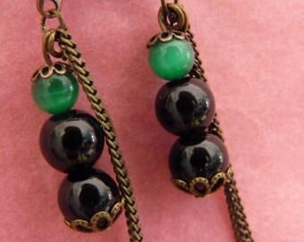 Dangling earrings Black & Green