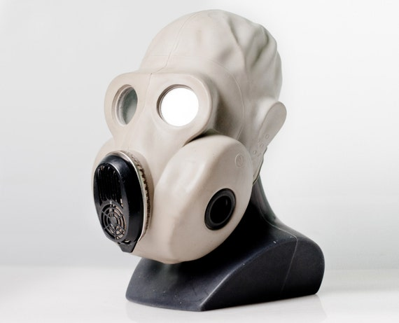 """Soviet Gas mask PBF-EO19 . This scary gas mask was made in Ussr. Also called """"Gorilla"""" mask. Great for Steam-punk"""
