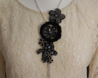 Women fashion beaded necklace jewellery / Black & silver floral lace necklace is for sale. Perfect for parties or special occasions.
