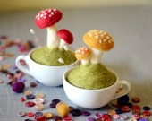 Nature Pin Cushion - Felted Mushrooms - Toadstools - Sewing Supplies - Woodland Scene - Home Decor - Fairy House - Nature Lovers Gift