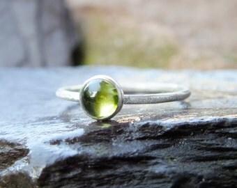 Silver ring, sterling silver ring, Silver peridot ring, sterling silver ring, silver green stone ring, silver skinny ring,Peridot Skinnyring