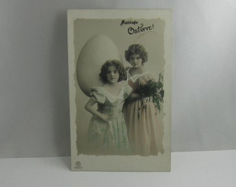 Age old postcard / photography / photo-postcard. Happy Easter! RH 2283/4. Sent in 1911. VINTAGE