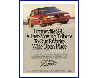 """PONTIAC BONNEVILLE Automobile Original 1990 Vintage Color Print Ad  """"Bonneville SSE. A Fast-Moving Tribute To Our Ravorite Wide Open Place."""""""