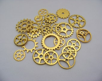 Antique Gold Gear Charms   4190