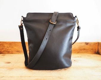 SATCHEL Leather Bag // Big Leather handbag // Brown coach