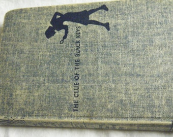 Vintage NANCY DREW MYSTERY book 1951 .  The Clue of the Black Keys..corners of cover are dogeared