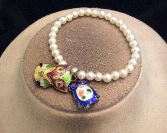 Vintage Faux Pearl & Dangling Enameled Owl Charms Bracelet