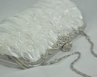 Lace Bridal Clutch, White Pearl Bridal Handbag, Flower Wedding Handbag, Bridal Clutch Bag, Lace Bridal Purse, Lace Wedding Pearl Handbag