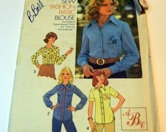 """Vintage 1970s Simplicity 7078 """"How to sew"""" Fashion Basic misses blouse with Alphabet transfer"""