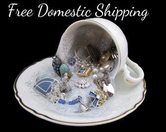 Vanity Decor, Jewelry Decor, Teacup Decor, Upcycled Jewellery Decor, Musical Teacup, Repurposed Teacup, Gift for Her Mom, Free US Shipping