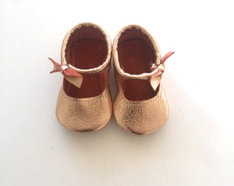 Bow mary Janes in Rose Gold