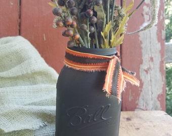 SALE! Halloween Mason Jar, Painted Mason Jar, Rustic Decor, Halloween Decor, Black Mason Jar, Holiday Decor, Halloween Decor