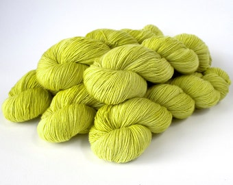 366 superwash merino singles Yarn 'Chartreuse'