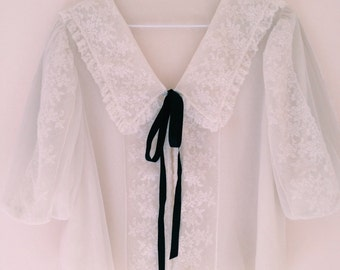 1970s Vintage tie up blouse