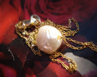 Baroque Pearl Pendant - 18 K Gold Filled Necklace - White FW Pearl Necklace K232