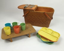 Vintage 1940's Picnic Basket - Redmon