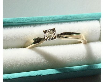 Vintage 9ct Gold Single Stone Diamond Ring.