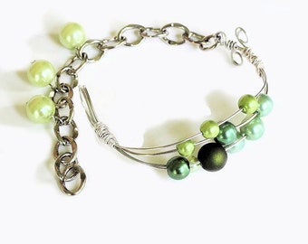 Green Pearl Bracelet, Wire Wrapped, Handmade Bracelet, Silver Wire Bracelet, Silver Chain, Dangling Beads, Green Pearl Wire Bracelet