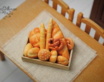 Super realistic miniature bread cake Doll house miniature miniature food Dollhouse Kitchen