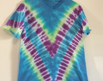 Kids 2X (18) v-neck top tie dyed in a V, in turquoise lime and purple!