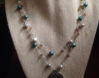 """18"""" Silver necklace with matching earrings"""