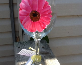 Pink Gerber Daisy wine glass.....hand painted....perfect summertime or spring gift.....gardeners gift