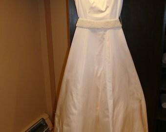manale II wedding dress