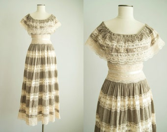 vintage 1950s dress / 50s Mexican wedding dress / small / A Quien Sera Dress