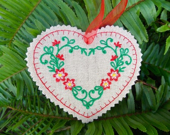 Heart Christmas ~ Valentine ~ Wreath Linen Ornament ~ Decoration Machine Embroidered Red & Green Floral