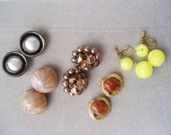 5 pair Vintage CLIP EARRINGS Chunky Yellow Ball Enamel Button Marbled Beaded Dangle Screw back Japan